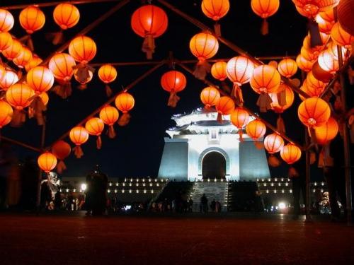 fête des lanternes en chine,fête du printemps en chine,lanternes traditionnelles,dynastie des han de l'ouest