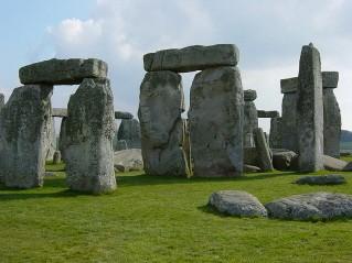 stonehenge,culte solaire,ensemble mégalithique,grande-bretagne,trilithes,solstice d'été,bloc de grès,sarsen